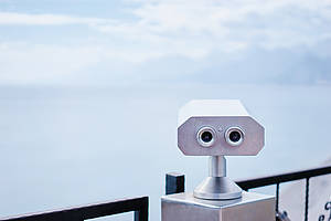 Kudla/ coin operated binocular viewer next/image.shutterstock.com